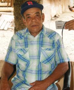 """Campesino dice prepara botella llamada """"Timacle""""  que cura el asma y mejora hasta """"la mente"""""""